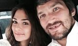 """""""Мы очень тебя ждем"""":  жена Овечкина показала большой живот и сообщила о новой беременности"""