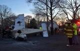 На Нью-Йорк упал самолет