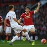 АПЛ: Манчестер поднимается, Челси тонет