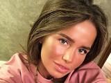 Певица Алекса показала кадры с крещения дочери от фитнес-тренера Дайчева