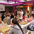 Российские шахматистки одолели украинок