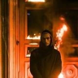 Фото Павленского на фоне горящей двери ФСБ на аукционе купили за 4500 евро