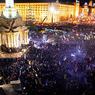 Милиция в Киеве разбирает баррикады и теснит митингующих