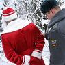 Вооруженный «Дед Мороз» за ночь пытался ограбить два магазина