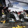 Формула-1: Хэмилтон выиграл первую квалификацию по новым правилам