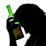 Ученые: Алкоголь более губителен для нервной системы женщин