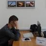 В Москве ученик набросился на учительницу, когда та попыталась снять с него наушники