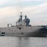 Экипаж «Мистраля» покинул Францию на учебном корабле «Смольный»