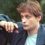 """Александра Домогарова обсуждают в связи с его исхудавшим видом: """"Тает на глазах"""""""