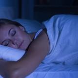 Диетологи рассказали, как худеть во время сна