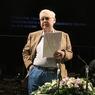 Ясновидящая призвала молиться за находящегося в больнице Олега Табакова