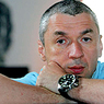 Приглашенная Липскеровым в ресторан барышня, разбила о голову писателя бутылку