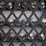 Скелеты зовут помолиться вместе (ФОТО)