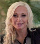 Изменившаяся Елена Корикова отметила 44-летие и вышла на публику (ФОТО)
