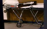 В новгородской областной больнице пьяный мужчина сильно избил медсестру и санитарку