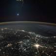 Юпитер и Венера «растягивают» орбиту Земли и меняют климат на планете