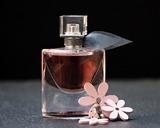 Минздрав поддержал акцизы для парфюма и косметики