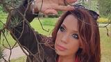 """""""Все женщины страны завидуют"""": Азиза заинтриговала подписчиков романтическими фото с брюнетом"""
