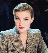 Рената Литвинова посоветовала русским мальчикам не раздвигать ноги