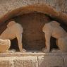 Львы и безголовые Сфинксы хранят тайны Александра Великого (ФОТО)