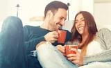 Ученые выяснили, что женский организм реагирует на влюбленность, как на вирус