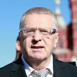 Кортеж Жириновского проехал по разделенке на Кутузовском проспекте в Москве