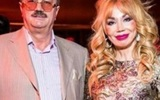 """Муж устроил """"восковой"""" Маше Распутиной выступление на """"Славянском базаре"""""""