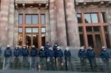 В Ереване протестующие против поражения в войне потребовали отставки Пашиняна