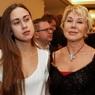 Любовь Успенская побрила дочь после операции на челюсти и потере зубов