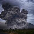 После извержения вулкана на Гавайях пролился дождь из драгоценных камней