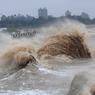 Адский циклон в Индии: эвакуирован миллион человек (ВИДЕО)