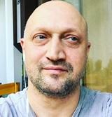 """""""Три сестры"""" по Чехову: актер Гоша Куценко признался, что снова стал отцом"""