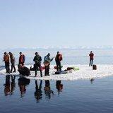 На Волге спасают рыбаков, что оказались на льдине