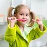 Стоматологи назвали основы правильного ухода за детскими зубами