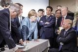 Захарова прокомментировала взорвавшее соцсети фото с саммита G7