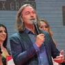 Пенсионер Никас Сафронов оплачивает счета детям, сестре, родственникам