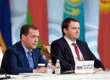 Медведев подписал распоряжение об индексации зарплат бюджетников