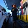 Коммерсант: рост цен на бензин сдерживают только выборы