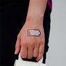 Разработана тату-батарея, вырабатывающая ток из пота человека