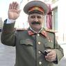 Ленин и Сталин подрались и помирились в центре столицы