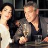 Vogue показал фото примерки свадебного платья невесты Клуни ФОТО