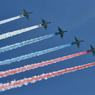 Более 140 самолетов и вертолетов пролетят над Красной площадью в День Пробеды