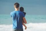Ученые выяснили, что вредные привычки отцов отражаются на интеллекте их детей