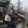 Рейсовый автобус протаранил остановку с людьми в Москве