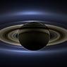 Синие саламандры танцуют в магнитном поле Сатурна (ВИДЕО)