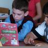 Детей украинских беженцев бесплатно зачислят в школы и вузы РФ