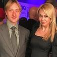 Снимки Рудковской и Плющенко на Сейшелах вызвали негодование (ФОТО)