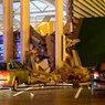 Крыша ТЦ в Риге снова рухнула — на спасателей