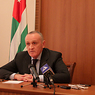 Оппозиционеры штурмуют администрацию президента Абхазии