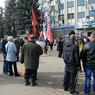 Активисты Луганска ворвались в опустевшую Обладминистрацию